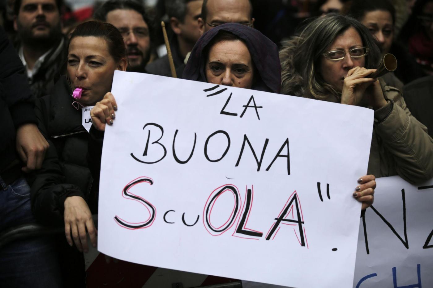 Sit-in dei precari della scuola del Mida e di Adida a Montecitorio