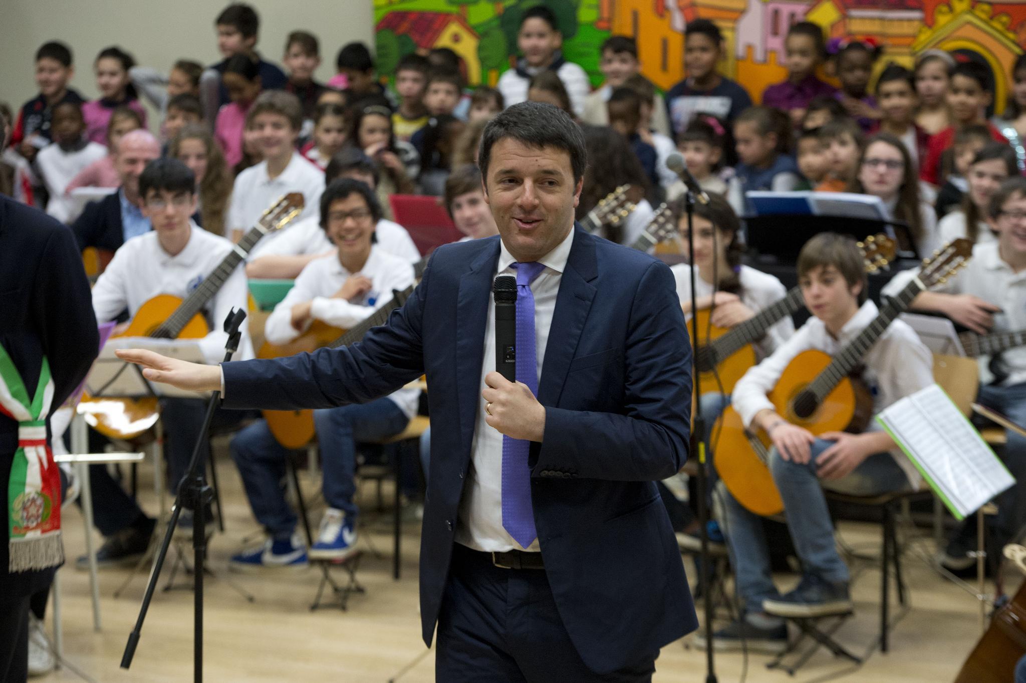 Governo: Renzi con ministri Poletti e Giannini a Treviso