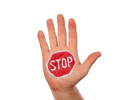 stop-mano1