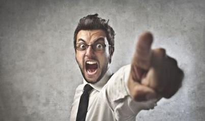 arrabbiato-minaccia2a