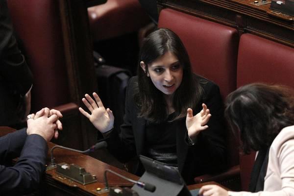 Silvia Chimienti del Movimento 5 Stelle alla Camera durante la seduta di insediamento del parlamento della XVII legislatura. Roma 15 marzo 2013. ANSA/GIUSEPPE LAMI