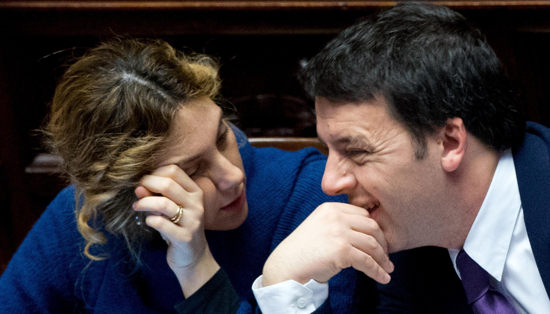 Il presidente del Consiglio, Matteo Renzi e il ministro della Semplificazione, Marianna Madia,  alla Camera, Roma, 25 febbraio 2014. ANSA/CLAUDIO PERI