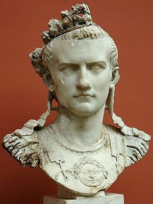 Caligola1