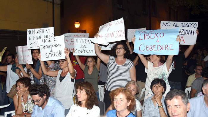 protesta-Giannini-Ferrara1