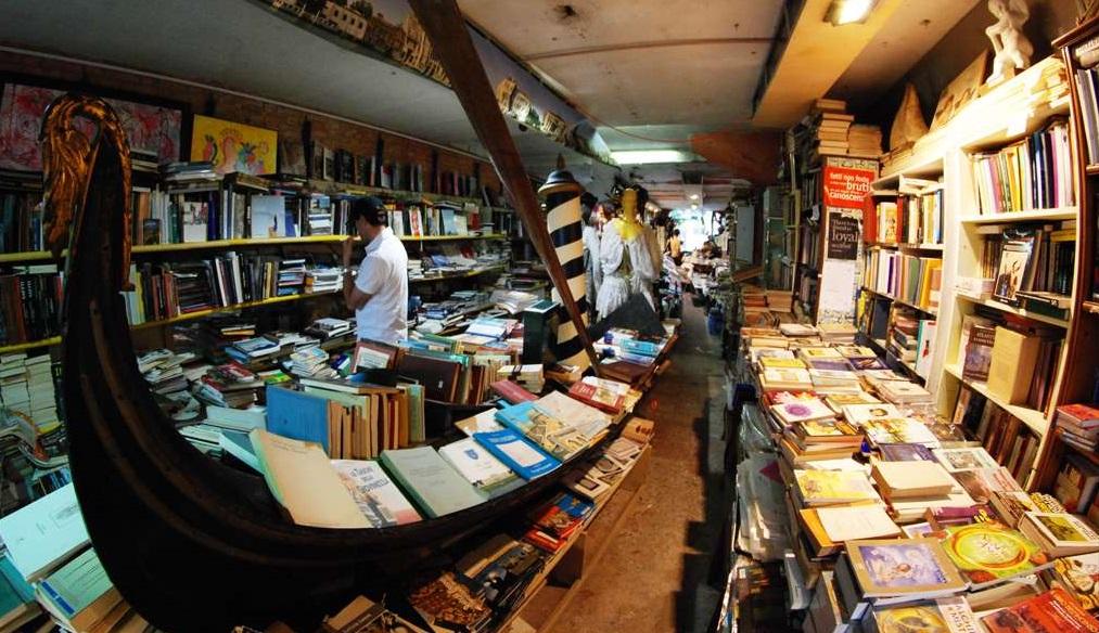 libreria-Acqua-Alta1a