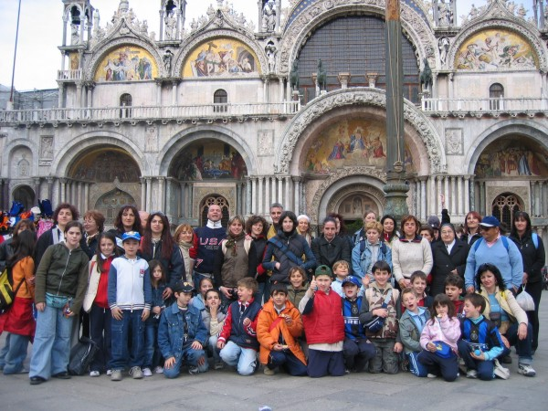 Gite scolastiche: agli alunni stranieri serve il permesso di ...