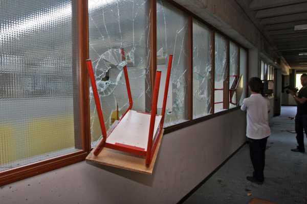 vandalismo-scuola1