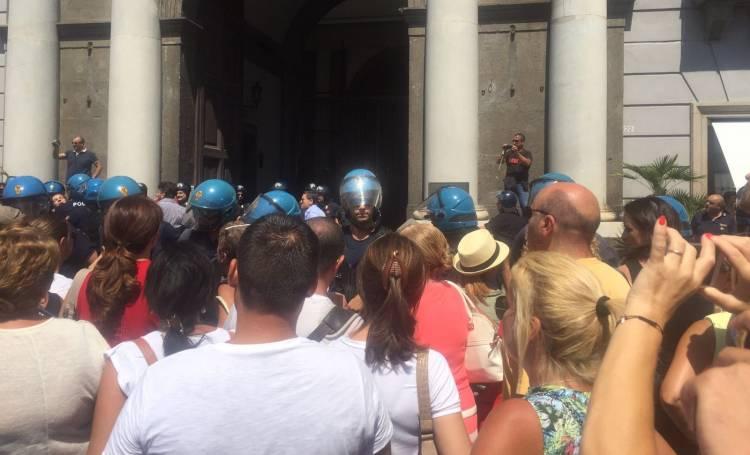 protesta-insegnanti-napoli3