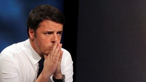 Renzi-preoccupato15